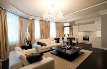 Большая гостиная со столовой зоной