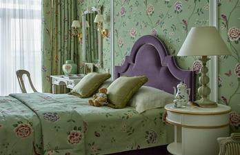 Спальня с бирюзовыми стенами