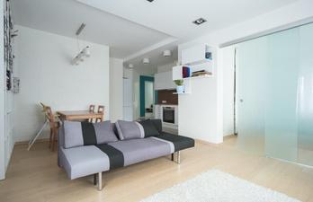 Комната для гостей с диванчиком
