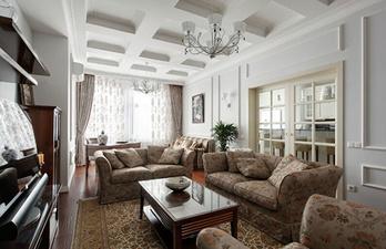 Гостиная в светлых тонах с мягкими диванами