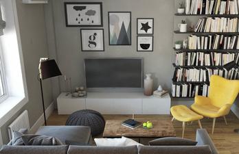 Светлая студия с мягким диваном
