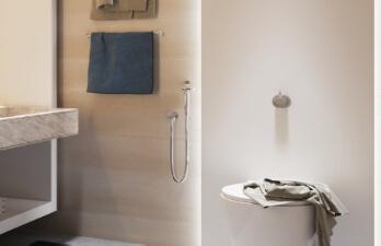 ванная комната в светло-бежевых тонах